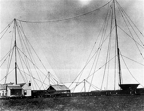 Transmitting antenna for the first transatlantic radio broadcast 1901 - Survival Radio and Long-Distance Communication for Survival